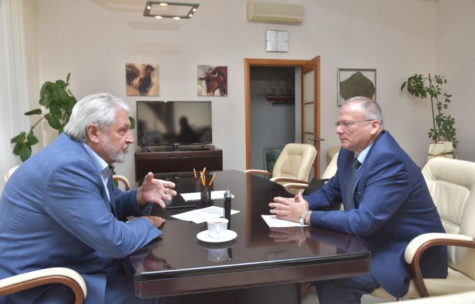 Сотрудничество организаций в поддержку политики Президента России